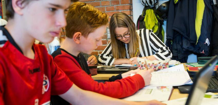 Udskoling: Elever arbejder på chromebooks i udskolingen
